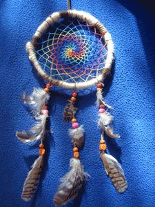 Dreamcatcher spiral : arc-en-ciel